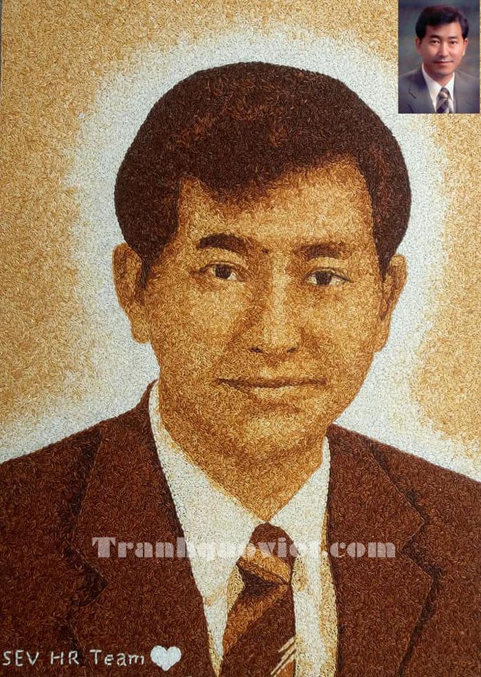 Tranh gạo chân dung Phó tổng giám đốc Lee Cheol Ku