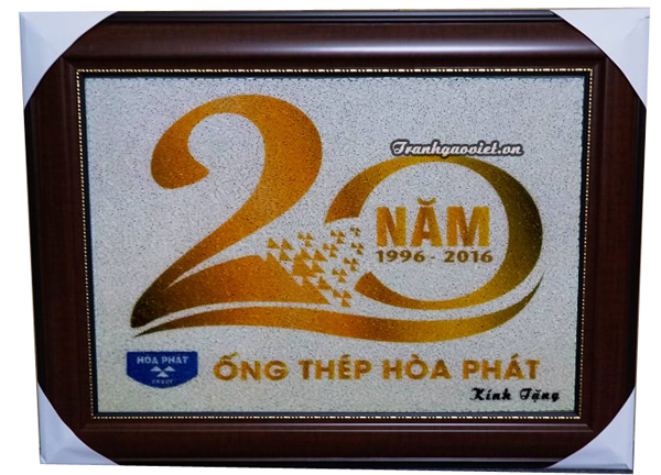 Tranh gạo màu kỉ niệm 20 năm hợp tác của thép Hòa phát
