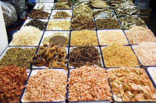 Thực phẩm khô vừa gọn nhẹ lại mang đậm  hương vị ẩm thực của người Việt