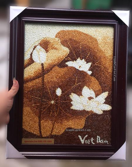 Hoa sen tranh gạo
