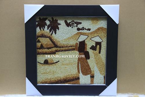 Tranh gạo có đa dạng các chủ đề về phong cảnh, làng quê, thư pháp hoặc có thể đặt theo yêu cầu riêng vừa độc đáo lại ý nghĩa