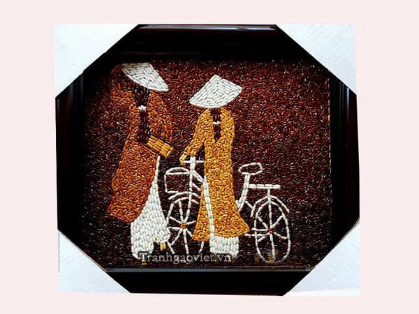 Áo dài và xe đạp